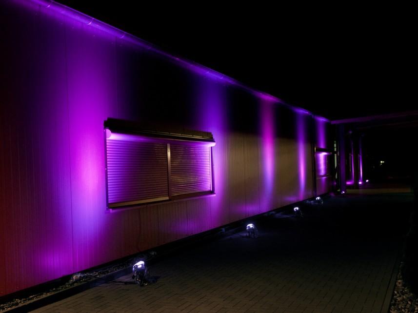 Strahlende Farben durch LED-Technik: Lichtkonzept von Stefan Bernschein