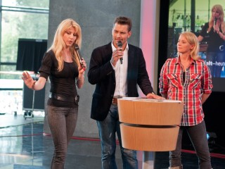 Wetterfee Maira Rothe, Stefan Bernschein und Landtour-Reporterin Singa Gätgens