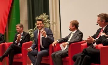 Stefan Bernschein talkt mit n.tv-Moderator Raimund Brichta