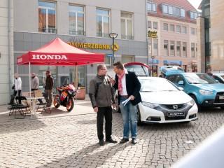 Honda-Geschäftsführer Ivo Kurz mit Moderator Stefan Bernschein