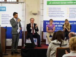 Applaus für freiwilliges soziales Engagement: Reiner Haseloff, Lisa Meinecke und Stefan Bernschein