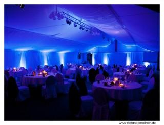 LED-Ambiente-Beleuchtung. Infos: www.stefanbernschein.de